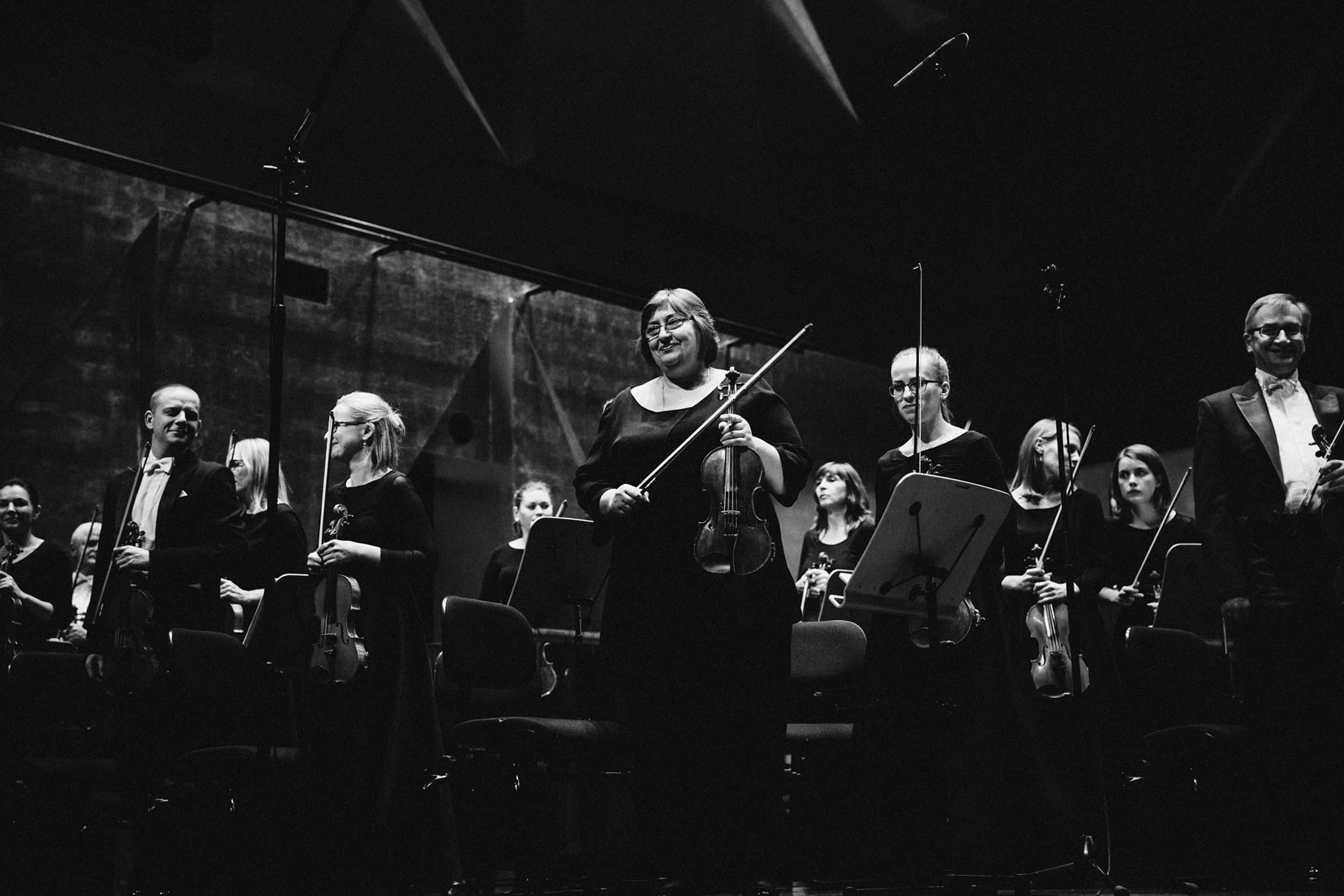 Orkiestra Filharmonii im. M Karłowicza Fot. Kinga Karpati&Daniel Zarewicz PRESTIGE PORTRAIT (1)