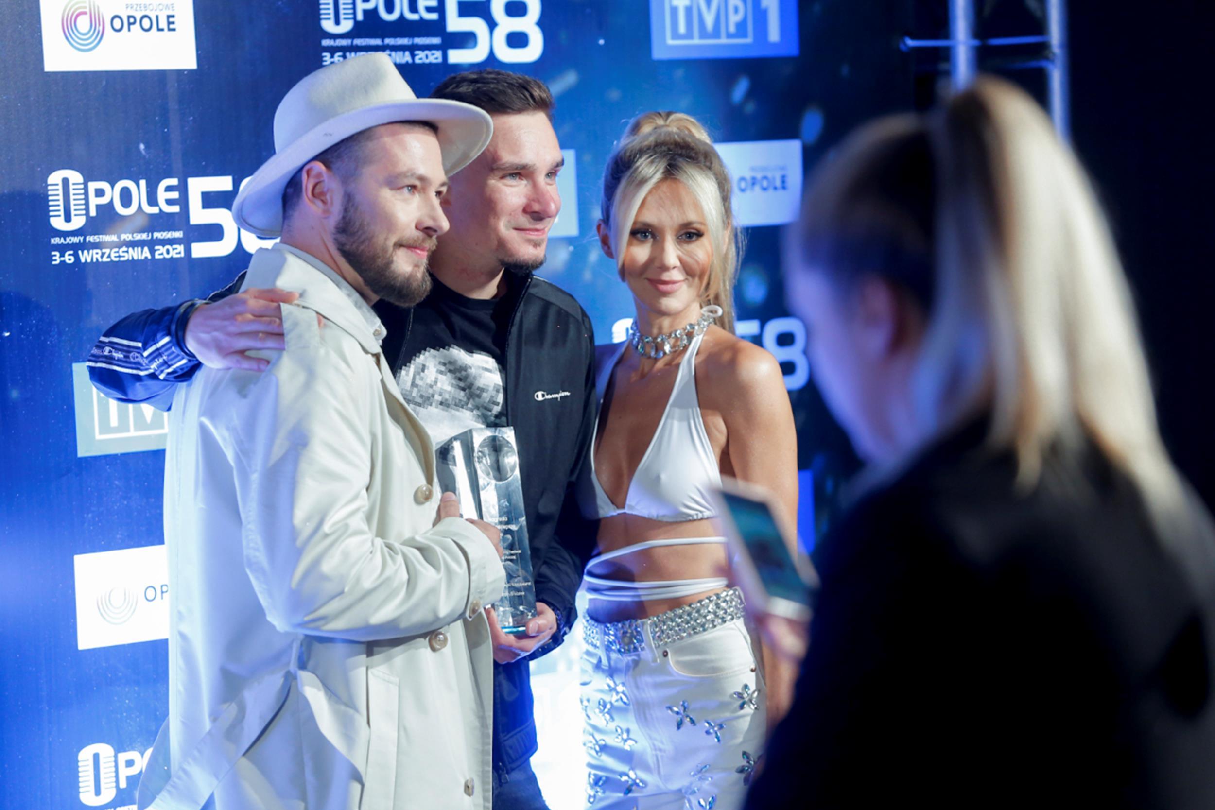 (od lewej) Jarecki, Juliusz Kamil, Kasia Moś fot. Mieszko Piętka, Piotr Podlewski/AKPA